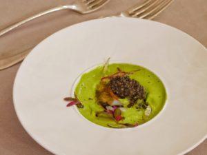 Caviar d'aquitaine, citron caviar, citron noir d'orient, œuf de caille, oignon confit à l'herbe de bison