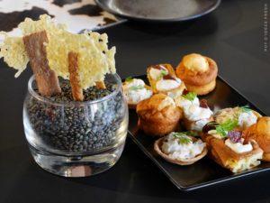Sucette de cantal, tartelette tourteau, madeleine chorizo, gaufre